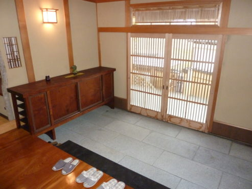 小矢部市上野本 中古住宅サムネイル